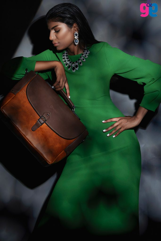 Adshoot for leather bags