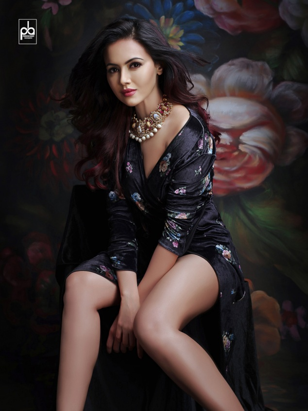 celebrity photoshoot sana khan